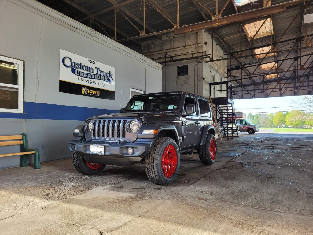 Jeep Wrangler with 20 inch Fuel Wheels!